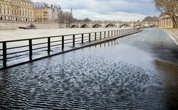 Flooded embankments in Paris