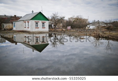 Flooding, house in the water