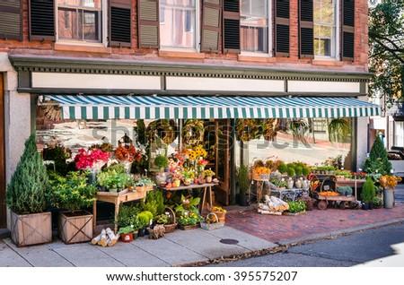 Florist shop #395575207