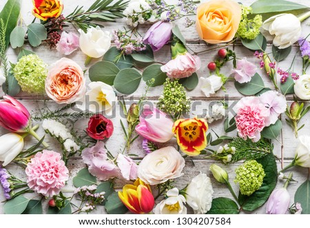 Flower decorative arrangement on wooden table