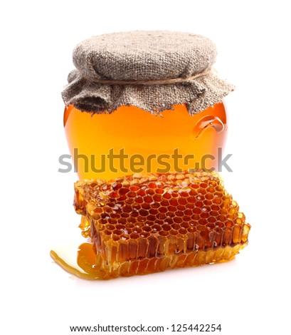 Flower honey with honeycomb