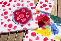 flower print canvas with the help of use of a stencil. Floral craft to give on Mother's Day.