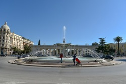 Foggia city centre by morning with fountain