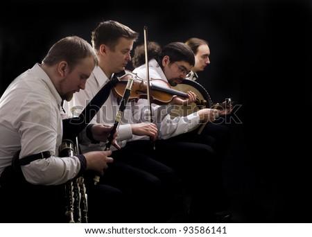 Folk music band