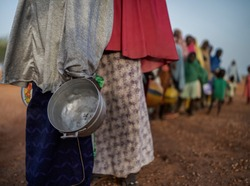 food queue in africa, hungry people