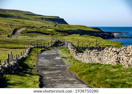 Footpath leading from Doolin to the Cliffs of Moher, County Clare, Ireland Stock fotó ©