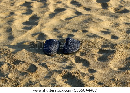 footprints on the shores of the Mediterranean #1555044407