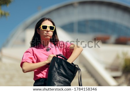 Forgetful Woman Looking for Something in Messy Purse. Girl searching for lost her wallet worrying of being robbed  Zdjęcia stock ©