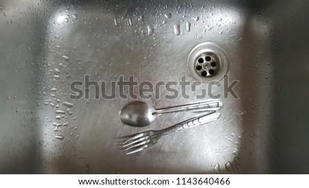 fork and spoon clean