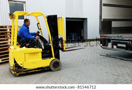 Forklift Truck with driver