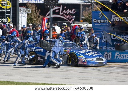 Fort Worth Tx Nov 06 Carl Edwards Brings His Copart Com Ford In For Service During The O