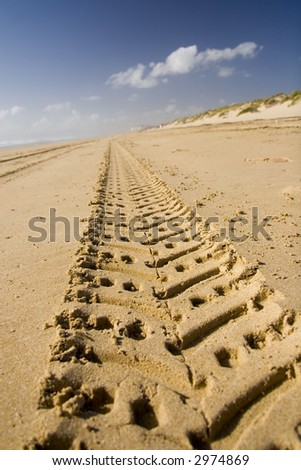 four wheel landcruise path track in beach