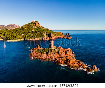 French Riviera, Côte d'Azur, aerial view of the Ile D'or coastline at sunset in the south of France Stockfoto ©