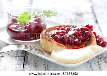 fresh camembert with cranberry sauce