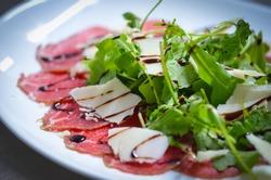 fresh carpaccio salad with wine vinegar