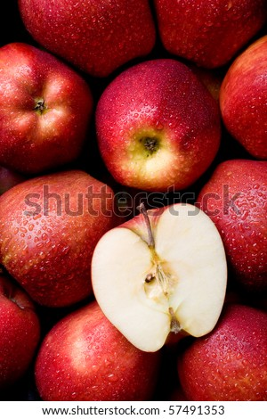 Fresh & juicy red apples