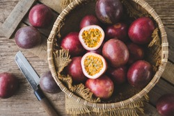 Fresh passion fruits-Healthy fruit and special taste