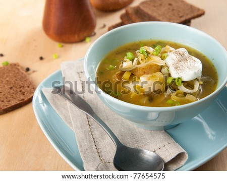 Fresh Potato and Leek Soup with Wholegrain Bread and Cream