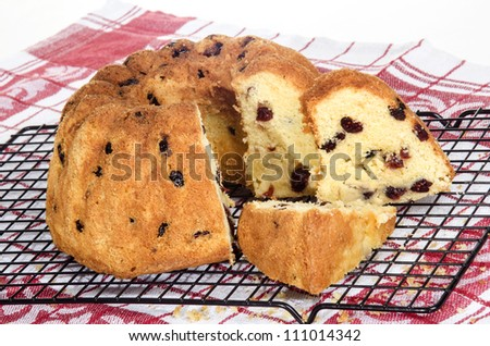 freshly baked gugelhupf with cranberries