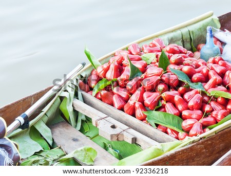 Freshness rose apple in the boat at floating market.