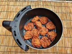 Fried Fish Cake (Tod Mun Pla Krai ) can be easily made for health care. By frying in a modern air fryer, the idea of avoiding the use of oil in cooking.