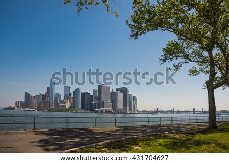 From Governors Island / Lower Manhattan and Brooklyn Bridge / From Governors Island, we can see lower Manhattan and Brooklyn Bridge.