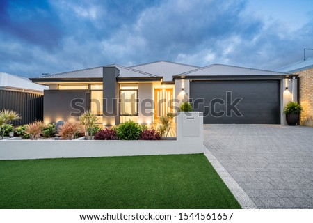 Front elevation of a new modern Australian style home. ストックフォト ©