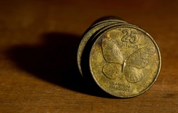 Front side of a Philippine twenty-five cent coin