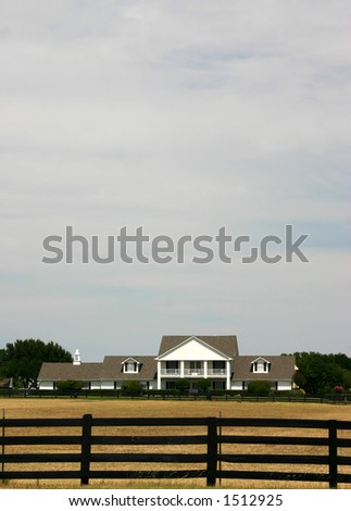 Front view of Southfork Ranch
