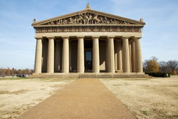 Front view of the Parthenon at Centennial park in Nashville, Tennessee