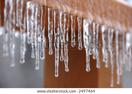 Frozen dripping water with shallow DOF