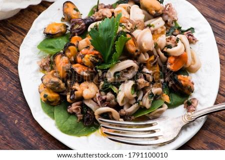 Frutti di mare on on plate selective focus Foto d'archivio ©