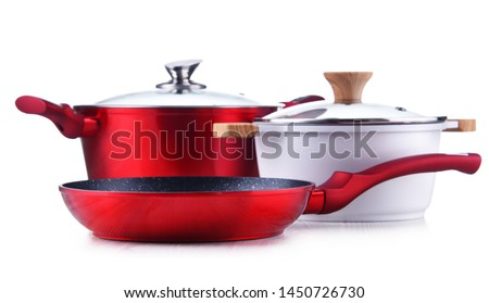 Frying pan and steel pots isolated on white background. Foto stock ©