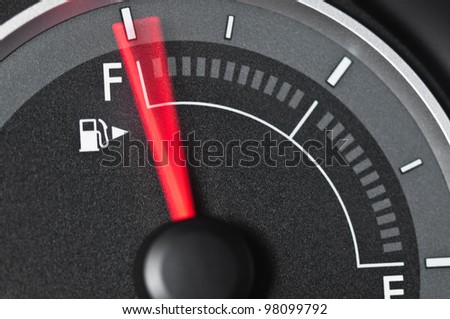 Fuel gauge with motion blurred needle