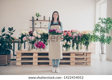Full length body size view photo of positive cheerful content lady people hold hand toothy feel glad wear blue shirt jeans denim sneakers white haircut long hairdo stand greenhouse