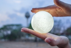 Full Moon in your hand