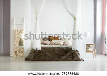 fur brown bedding and glass...