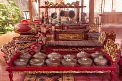 gamelan bonang is traditional javanese and balinese music instuments