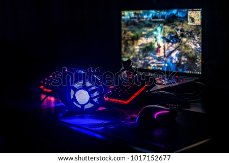 Gaming pc, headset, mause and keyboard