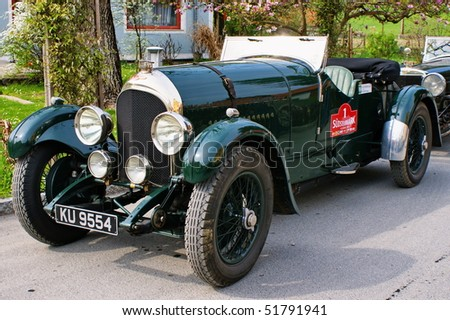 "GAMLITZ-APRIL 24:Bentley Speed Model from 1925  on rally vintage cars ""Suedsteiermark Classic""April 24,2010 in Gamlitz,Austria."