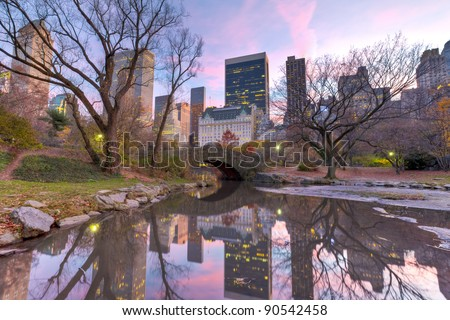 Gapstow bridge in autumn, New York City Central Park