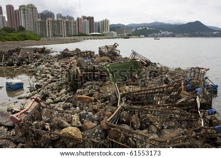 Garbage piled up on the coast of the ocean