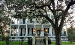 Garden district new orleans mansion