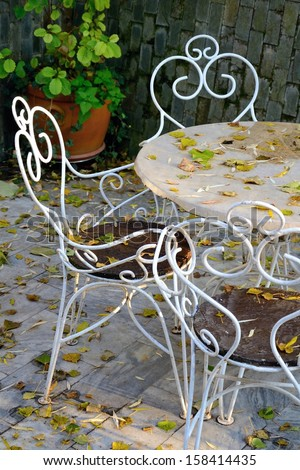 garden outdoor furniture in the fall