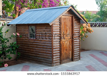 Garden shed for the tools and gardening objects in South Africa commonly called Wendy House 商業照片 ©