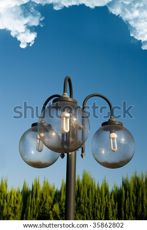 Garden street lamp with three bulbs
