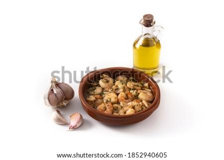 Garlic prawns in crock pot isolated on white background.  Foto d'archivio ©