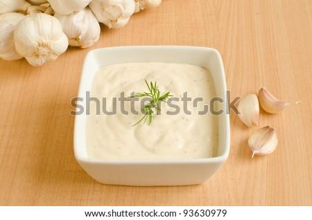 Garlic sauce (aioli)