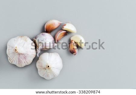 garlic top view garlic bulbs with garlic cloves