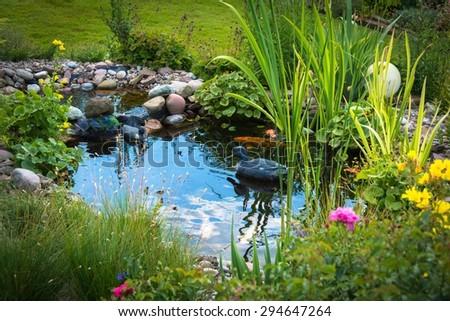 Garten pond with duck